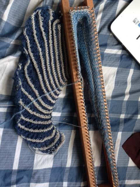 loom knit shawl | Craftasaurus Rex